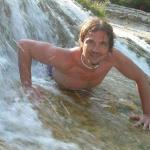 gianluca è un ragazzo di 43 anni e risiede a Salerno