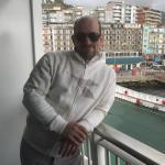Emanuele è un ragazzo di 38 anni e risiede a Ozzano dell'Emilia
