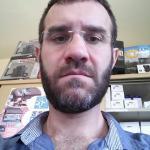 Roberto è un ragazzo di 39 anni e risiede a Salerno