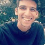 Andrea è un ragazzo di 25 anni e risiede a Genova