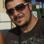 Curioso è un ragazzo di 39 anni e risiede a Agrigento