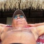 Enzo è un ragazzo di 69 anni e risiede a Messina