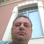 vito è un ragazzo di 54 anni e risiede a Santeramo in Colle