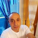giuseppe è un ragazzo di 49 anni e risiede a Torino