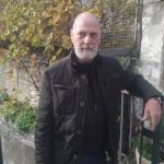 Aldotamani è un ragazzo di 55 anni e risiede a Genova