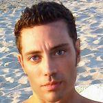 Francesco è un ragazzo di 33 anni e risiede a Vibo Valentia