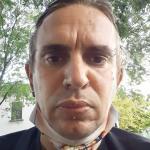Daniele è un ragazzo di 43 anni e risiede a Sommacampagna