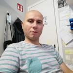 Stefano è un ragazzo di 40 anni e risiede a Modena